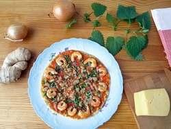 пицца с креветками под сыром