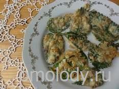 листья крапивы в кляре