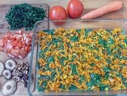 Лазанья из зеленого теста с крапивой, с овощами и грибами