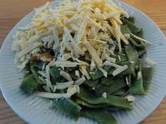 Лапша из крапивы, с орехами и сыром