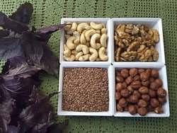 из льняного семени с финиками и орехами