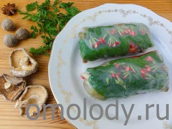 Спринг-роллы из рисовой бумаги с грибами и черемшой