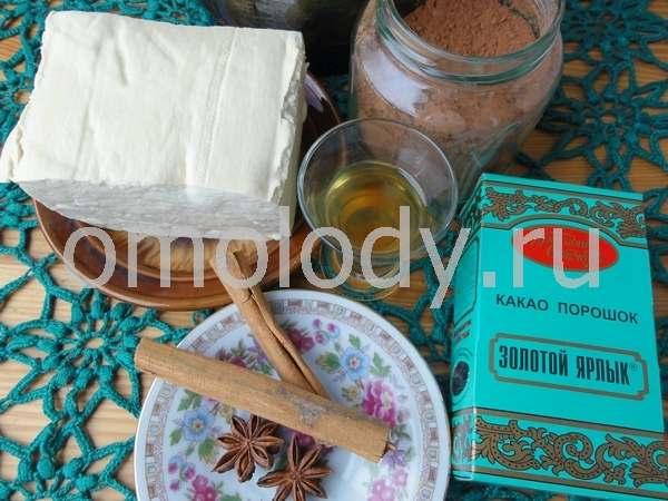 Шоколадный десерт из тофу и соевого молока с пряностями